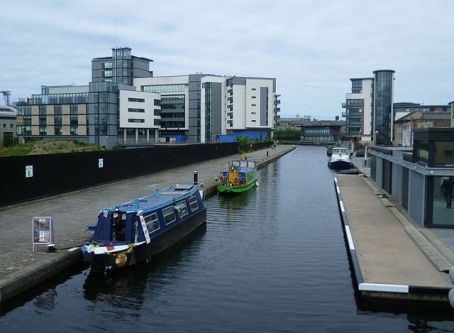 640px-Edinburgh_Quay_(Union_Canal)