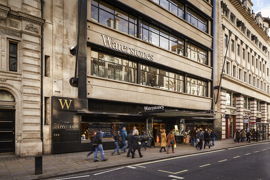 HW3884-Waterstones-Piccadilly-900px-01