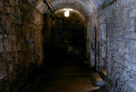 edinburghcastlevaults